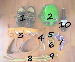 grimper sac escalade falaise mousqueton casque baudrier chausson sangle assurage petzl camp degaine